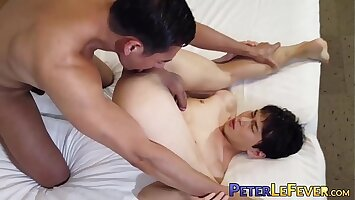 Muscly stud fucks his partner after they suck each other off